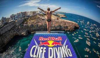 b_350_200_16777215_00_images_POLIGNANO_A_MARE_-_Red_Bull.jpg